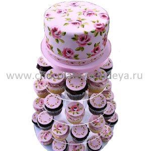 svadebnyy-tort-s-pirozhnymi-kapkeykami-14